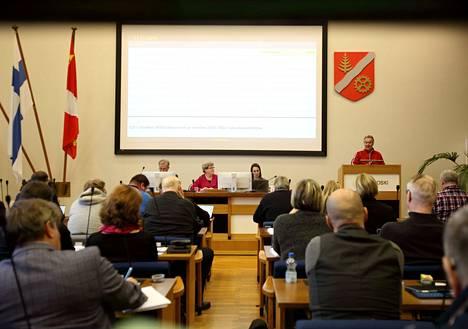 Valkeakosken kaupunginvaltuustoon pääsi liuta uusia valtuutettuja. Kuva on valtuuston kokouksesta parin vuoden takaa.