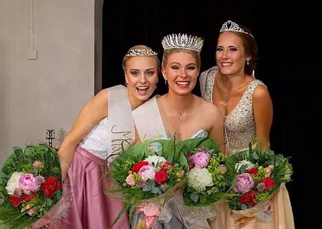 Miss Nokia 2020 -tittelin voitti Meiju Järvimäki (kesk.). Ensimmäiseksi perintöprinsessaksi valittiin Iida Latvala (oik.) ja toiseksi perintöprinsessaksi Assi Liitti (vas.)