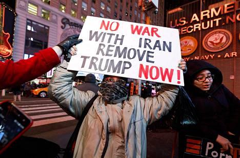 Yhdysvalloissa on järjestetty mielenilmauksia, että USA ei alkaisi sotatoimiin Irania vastaan.