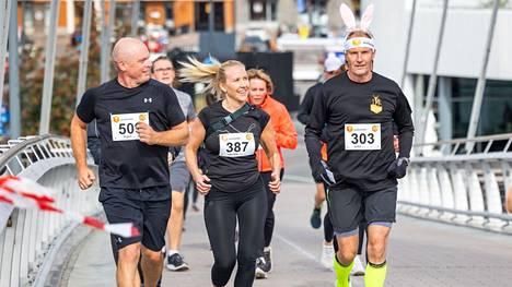 Tampere Maraton juostiin nyt 24. kerran. Kaupunkitapahtuman reitti kulki Hatanpään arboretumista Tampereen keskustaan, Tammerkosken partaalle ja Ranta-Tampellaan.