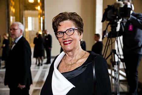 – Oikea tieto on valtaa. Asioihin kannattaa perehtyä kunnolla. Edustajien pitää kunnioittaa toisiaan, Sirkka-Liisa Anttila (kesk.) evästi uusia kansanedustajia.