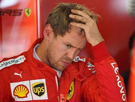 Sebastian Vettel ajaa Ferrarilla viimeistä kauttaan.