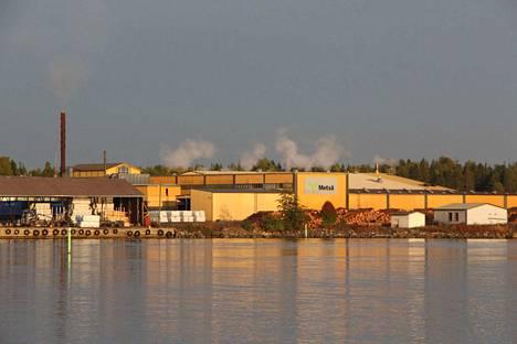 Pääosin sahojen kesätyöt löytyvät tuotannosta ja kunnossapidosta.