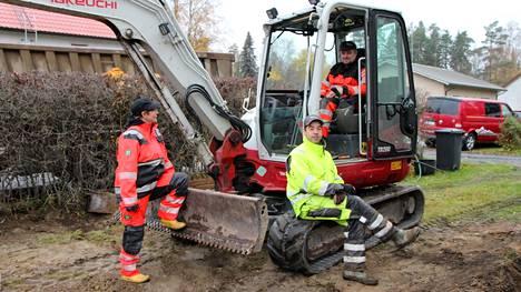 Toukokuussa toimintansa aloittaneen ROK-Rakennuksen takana ovat Riikka Ronko, Jukka Kaarto (keskellä) ja Mika Ojala.
