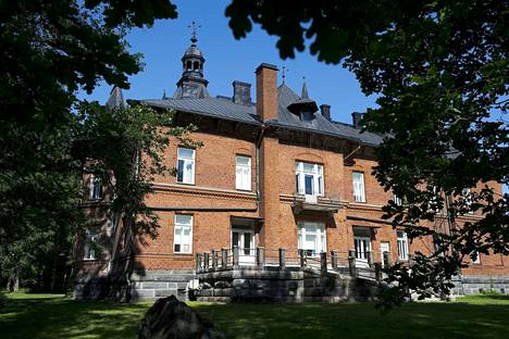 Tampereen uusin galleria avautuu Lielahden kartanon alakertaan.