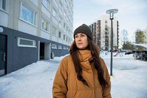Aamulehti tapasi politiikan jättäneen Tiina Elovaaran helmikuussa. Hän kertoi tuolloin haaveilevansa lapsen saamisesta. Nyt perhe odottaa esikoistaan.