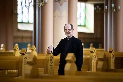 Kirkkoherra Heimo Hietanen pitää livestriimauksia toimituksia täydentävänä oppina, joka jäänee tavalla tai toisella mahdollisuudeksi koronan jälkeenkin.