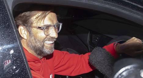 Jürgen Klopp kuvattiin myöhään torstai-iltana, kun hän oli kotimatkalla Liverpoolin mestaruusjuhlinnoista.
