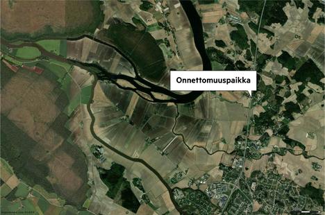 Onnettomuus sattui Tampereentiellä, eli valtie 12:lla Karhiniementien risteyksen tuntumassa.