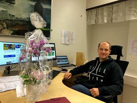Janakkalan kunnan uusi tekninen johtaja Aki Tiihonen kuvattiin viimeisenä työpäivänään Sysmässä perjantaina 8. lokakuuta.