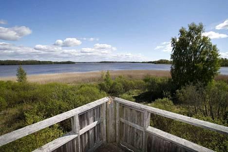 Köyliönjärven Natura-suojelualueselvitys ennakoi rehevöitymisen etenemistä, kun pohjaveden virtaus järveen vähenee entisestään. Kuvanäkymä Vinnarin lintutornilta järven Natura-alueelle.