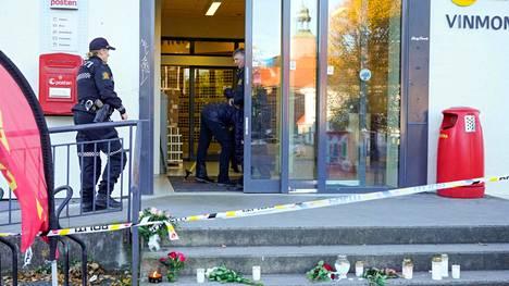 Jousella aseistautunut hyökkääjä aloitti ampumisen ruokakaupassa Kongsbergin keskustassa.