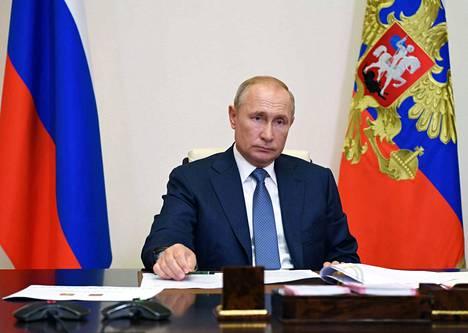 Kun viitteitä oppositiopoliitikko Aleksei Navalnyn myrkytyksestä on tullut julkisuuteen, katseet ovat kääntyneet Venäjän presidentti Vladimir Putinin suuntaan.