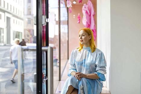 Minna Parikan kivijalkakauppa Helsingissä lopetti jo kesällä. Maanantaina Parikka ilmoitti lopettavansa design-yrityksensä, ja sen jälkeen merkin kengät ovat menneet kuin kuumille kiville.