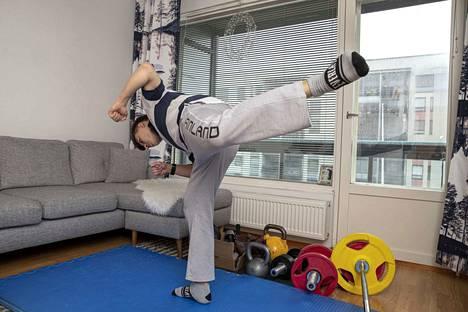 Minikokoisella kotitatamilla voi treenata myös judon liikesarjoja.