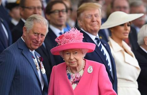 Kuningatar Elisabet II ja kruununprinssi Charles osallistuivat kesäkuussa Normandian maihinnousun 75-vuotisjuhlallisuuksiin. Juhlallisuuksiin osallistui myös Yhdysvaltain presidentti Donald Trump vaimonsa Melania Trumpin kanssa. Kuningatar Elisabet oli teini-ikäinen maihinnousun aikaan, ja häntä valmisteltiin jo kuningattaren tehtävään.