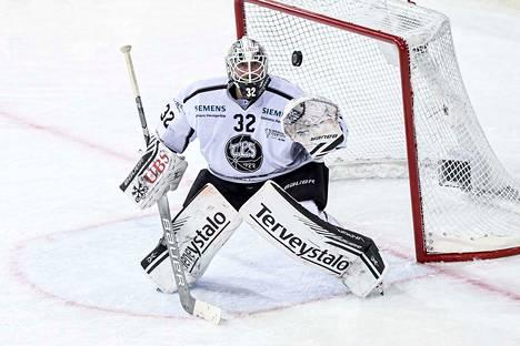 Rasmus Tirronen on Ässien käytettävissä ainakin seuraavat viikot.
