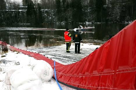 Öljyntorjuntaan varauduttiin myös Kokemäenjoen alajuoksulla Nakkilassa.