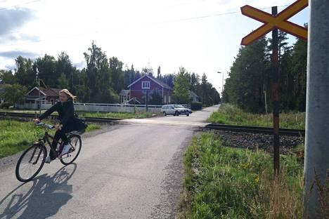Porissa sijaitseva Rantakulmantien tasoristeys on poistettavien listalla. Jatkossa Rantakulmalaiset pääsisivät keskustaan Nelostuotteen tuotantolaitoksen suuntaan linjatun väylän kautta.