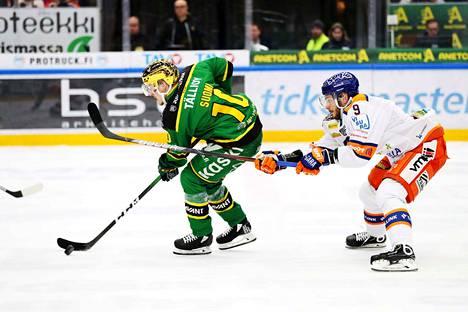 Ëemeli Suomen sopimus Ilveksen kanssa kattaa tulevan kauden, Charles Bertrand jatkaa Tapparassa aina vuoteen 2023.
