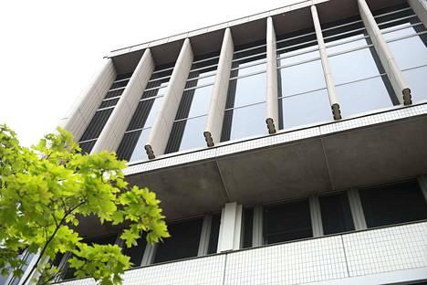 Elinvoiman ja kilpailukyvyn palvelualueen johtajat työskentelevät Tampereen keskusvirastotalossa.