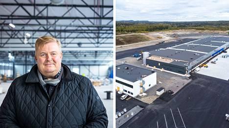 DB Schenkerin uusi Tampereen alueterminaali Lempäälän Marjamäessä on harjakorkeudessa. Muuttamaan päästäneen ensi kesänä. Toimitusjohtaja Petri Nurmi kertoo, että rakentaminen on edellä aikataulusta.