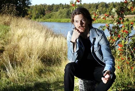 Huittisista kotoisin oleva laulaja-kitaristi Pekka Nisu kuvaa Kokemäenjoen suistoa mielenmaisemakseen.