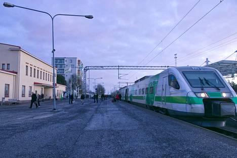 Matkustajamäärät ovat laskeneet myös Pori-Tampere-välillä ratkaisevasti.