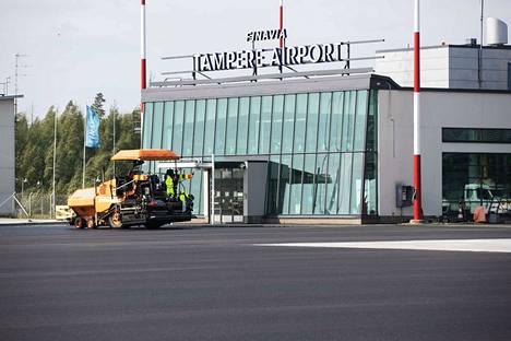 Finavia-konsernissa alkavat koronakriisin seurauksena yt-neuvottelut. Kuva on Tampere-Pirkkalan lentoasemalta.