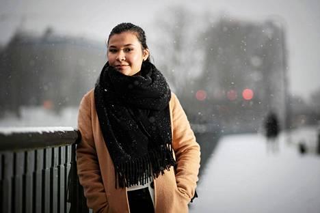 Tamperelainen opiskelija Eden Hurme on valmis kertomaan oman kokemuksensa opiskelijakulttuurin ongelmakohdista. Hän sanoo olevansa kyllästynyt siihen, miten häpeä pakottaa häirinnän uhreja piiloutumaan.