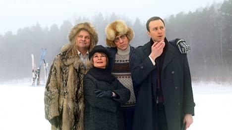 Ensimmäisenä kuvauspäivänä päänäyttelijöiden lisäksi paikan päällä pyörähtivät muun muassa Ismo Apell näyttelemässä Kalevi Keihästä, Karoliina Kudjoi Armi Ratiaa sekä Eino Heiskanen Jörn Donneria.