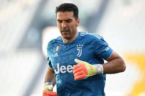 Gianluigi Buffon torjui Juventukselle voiton.