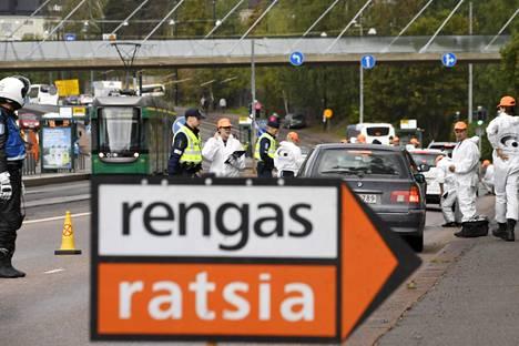Rengasratsia-kampanjan järjestävät yhdessä Autorengasliitto, Liikenneturva ja poliisi. Kampanja kestää maanantaista perjantaihin.