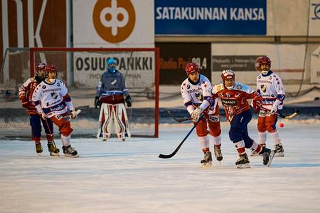 Narukerä ja HIFK kohtaavat nyt toisen kerran tällä kaudella. Ensimmäinen peli pelattiin Helsingissä 10. tammikuuta, ja siinä Narukerä oli parempi lukemin 4–2. Tämä kuva on kolmen vuoden takaa.