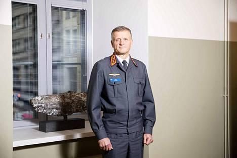 Puolustusvoimain komentajalla Timo Kivisellä, 59, on aiempien pääesikuntatehtäviensä perusteella näkemystä siitä, mihin sotilasteknologinen kehitys on menossa.