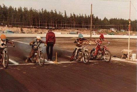 Kuva vuoden 1979 ensimmäisestä kilpailusta.