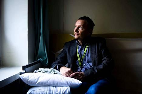 Mikko Reijonen kiertää eri puolilla maata vierailukäynneillä sivareiden työpalveluspaikoissa.