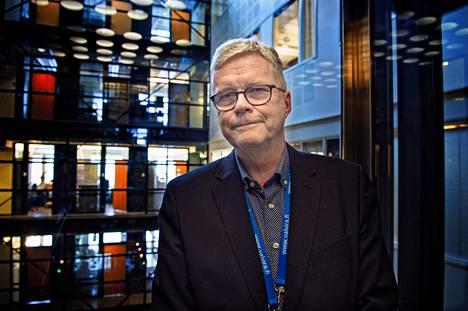 Valviran ylijohtajan Markus Henrikssonin mukaan rikosoikeuden professorin antama asiantuntijalausunto ei anna aihetta dramaattisiin muutoksiin hoivakotien valvontatyössä.