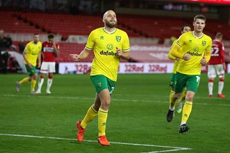 Norwichin suomalaishyökkääjä Teemu Pukki joutuu jättämään ainakin kaksi seuraavaa ottelua väliin.