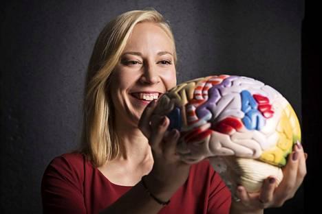 – Aivot eivät pysty jakamaan keskittymistä kahden tai useamman asian välille, sanoo psykologian tohtori Mona Moisala.