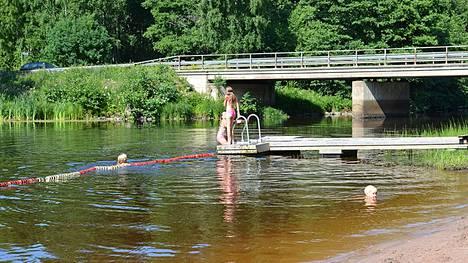 Ahlaisten uimaranta arkistokuvassa.