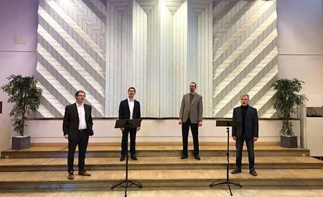 Porin Mies-Laulun konsertti suorana lähetyksenä Satakunnan Kansan verkkosivuilla. Kuvassa kvartetti Kolme viisasta miestä.