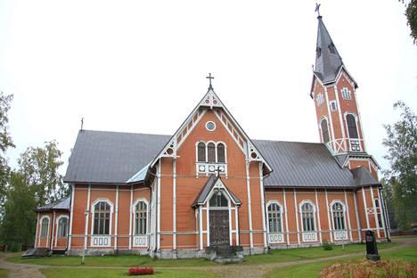 Tutut papit jatkavat Multian seurakunnassa.