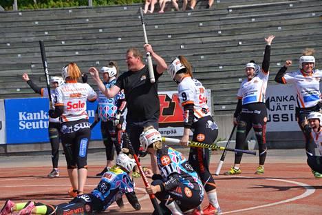 Majuttaret saa naisten Ykköspesiksen pudotuspeleissä vastaansa tutun vastustajan, Pöytyän Urheilijat.