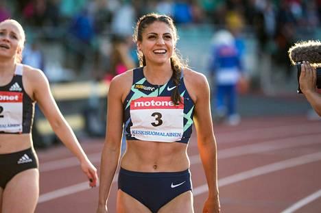 Nooralotta Neziri oli lähellä ennätystään 100 metrin aitajuoksussa Jyväskylän gp-kisojen alkuerässä.