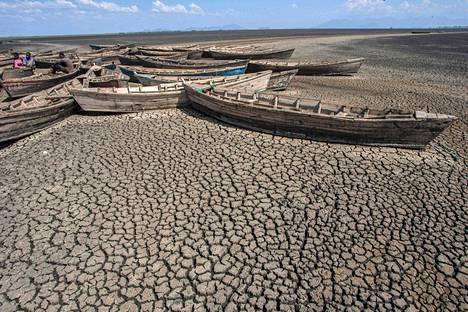 Kansainvälisen ilmastopaneelin ilmastoraportti julkaistaan maanantaina. Kuvassa kuivunut Chilwa-järvi Malawin itäosassa.