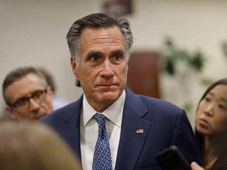 Republikaanisenaattori Mitt Romney järjesti yllätyksen keskiviikkona. Hän äänesti presidentti Donald Trumpin erottamisen puolesta muista republikaaneista poiketen.