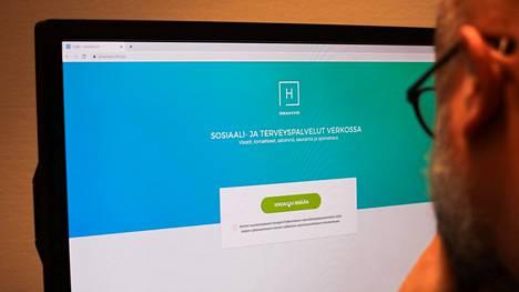 Seututerveyskeskus toivoo koronarokoteaikoja varattavan sähköisen palvelun kautta.