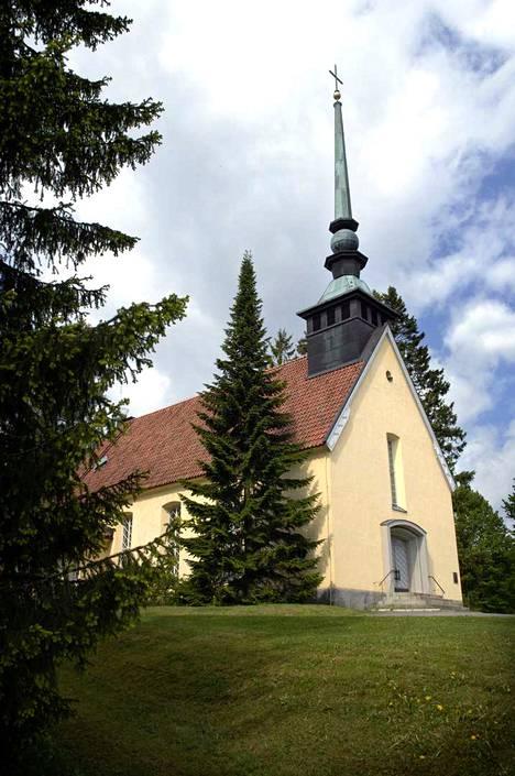 Metsäkansan kirkko on seissyt paikallaan jo 80 vuotta. Kirkon rakentaminen olisi todennäköisesti jäänyt kyläläisten haaveeksi, ellei apuun olisi keksitty pyytää Metsäkansassa syntynyttä Emil Aaltosta, joka otti kirkon rakennuttamisen sydämen asiakseen.