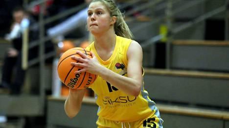 Viivi Niskanen heitti 18 pistettä BC Nokian aloittaessa U19 SM-sarjan voitokkaasti.